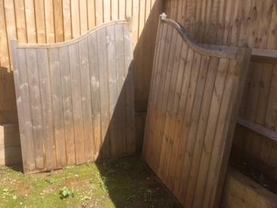 Wooden Estate/Driveway Gates | charlbury info